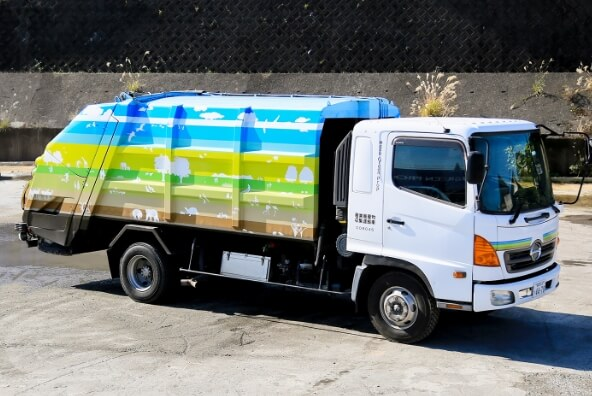 4t冷凍冷蔵車